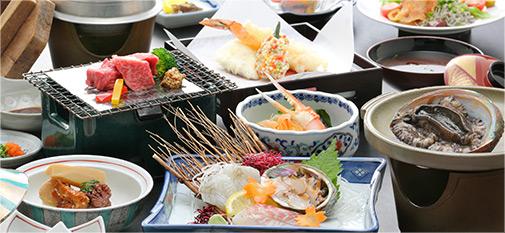 新鮮な海の幸など旬を活かした豊富な料理メニュー
