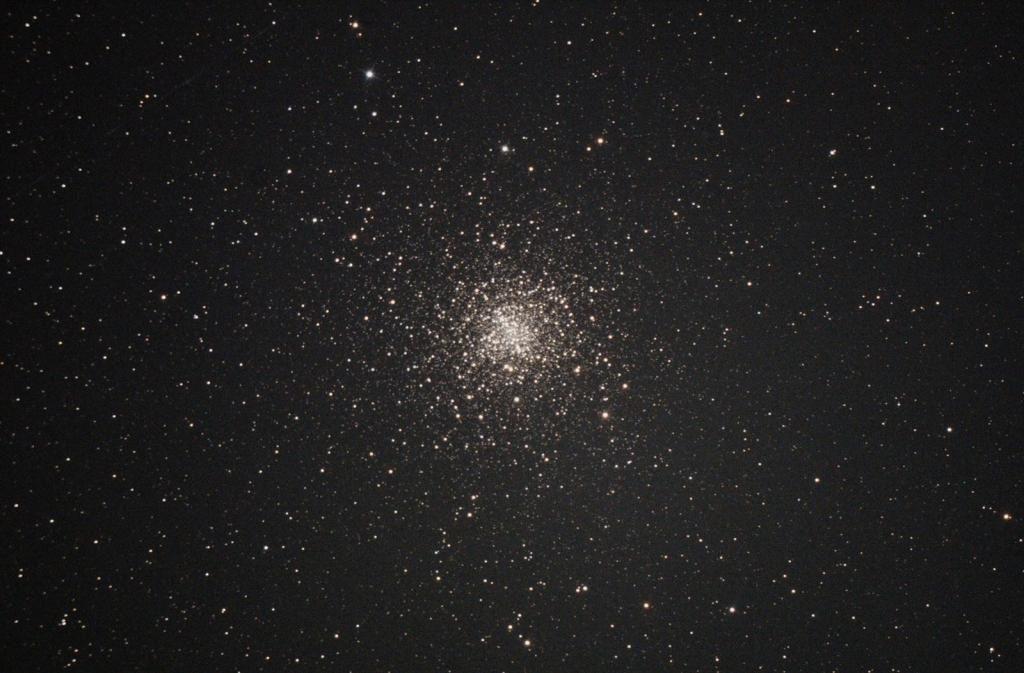 さそり座球状星団M4