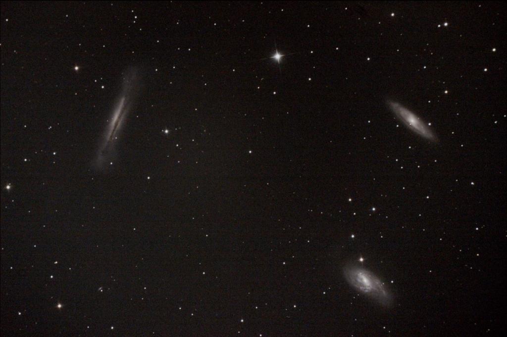 しし座銀河トリオM65外